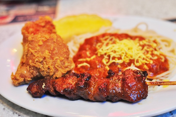 Spaghetti with Crispy Chicken and Pork BBQ
