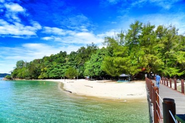 Manukan Island Beach Front