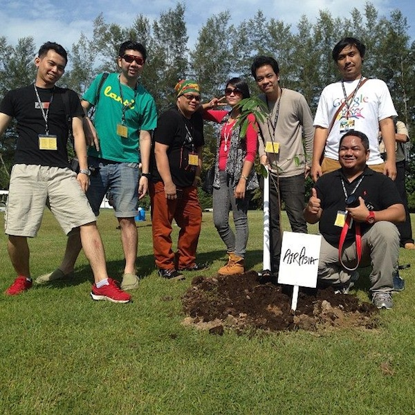 Tree Planting with Air Asia Bloggers Community