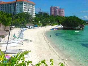 Shangri-La's Mactan Resort and Spa Beach Front