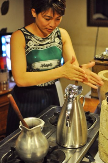 Chef Raquel Choa preparing Sikwati