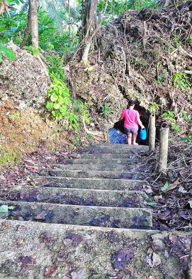 Alternate path to Magpupungko Rock Pool