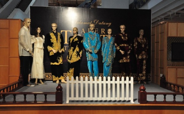 Filipiniana Costume and Malaysian Traditional Dress