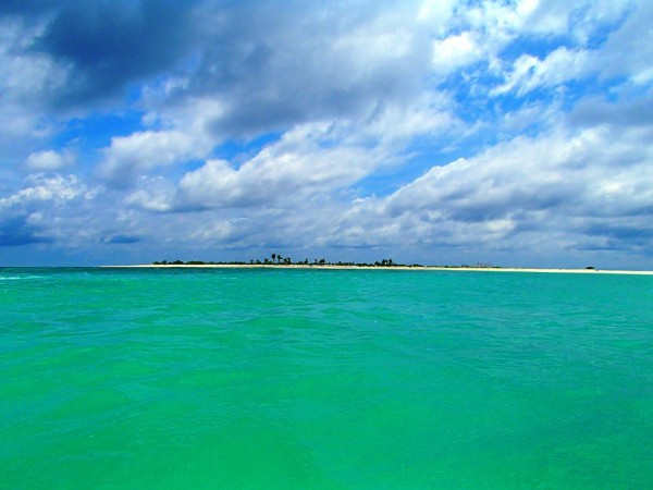 Green Lagoon beside the Seco Island Sandbar