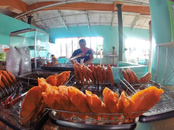Stopover in Batac Ilocos Norte for Empanada
