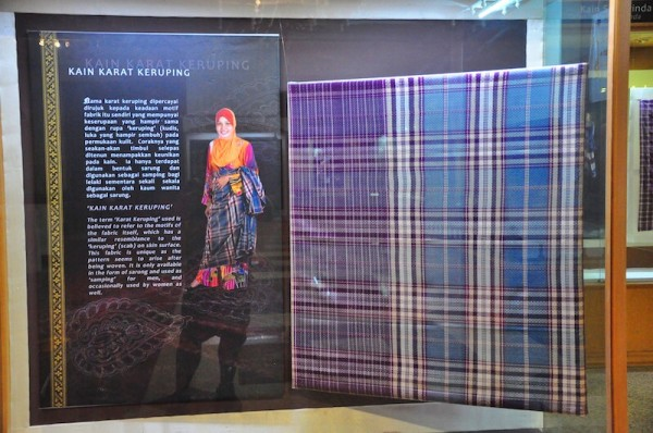 Karat Keruping at the Textile Gallery