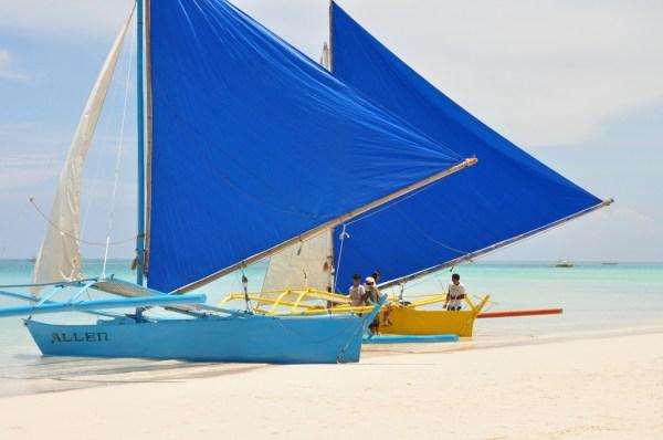 Paraw Sailing in Boracay