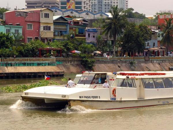 Pasig River Ferry by Roberto Verzo