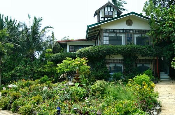 Sonyas Garden by Thom Watson