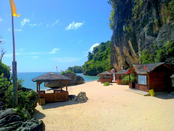 Borawan Beach (photo by Borawan Beach FB Page)