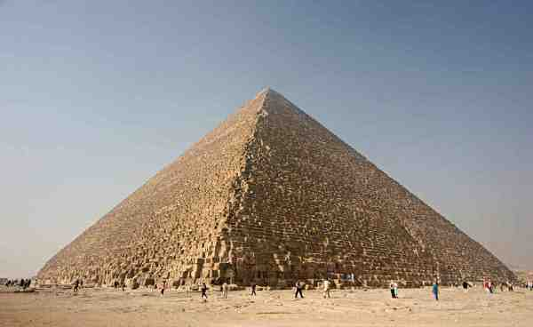 Great Pyramids of Giza (photo by Nina Aldin Thune via Wikipedia)