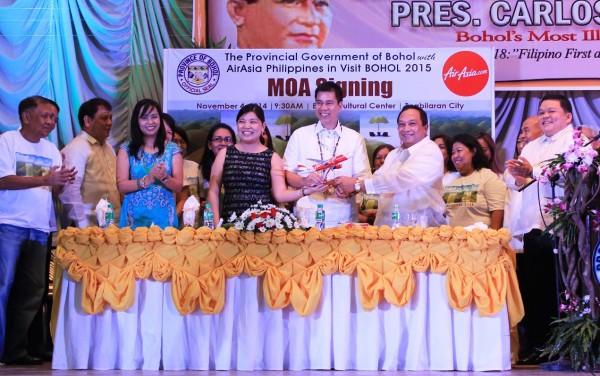Bohol Province and AirAsia MOA signing