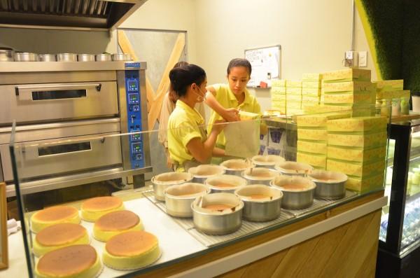 Freshly Baked Japanese Cheesecakes
