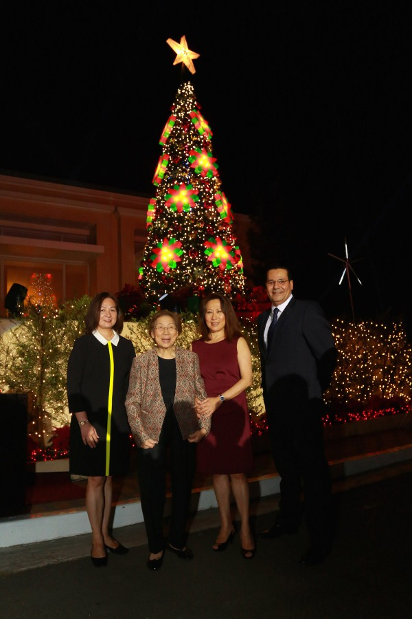 From left to right: Peggy Angeles of SM Hotels and Conventions Corp., Mrs. Felicidad Sy, SM Hotels and  Conventions Corp. President Ms. Elizabeth Sy and Taal Vista Hotel Area General Manager Walid Wafik