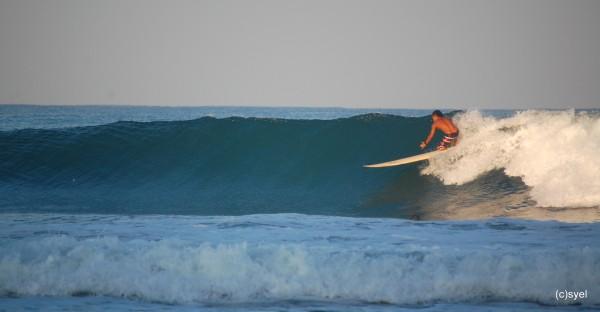 Surfing in San Juan La Union photo by ijnek29 via Flickr