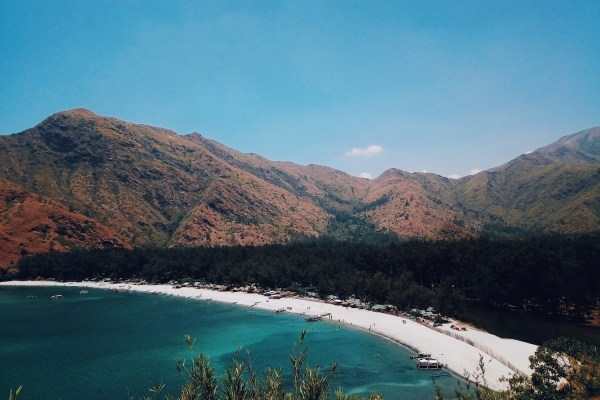 Anawangin Travel Guide photo by Ryzy Bustos