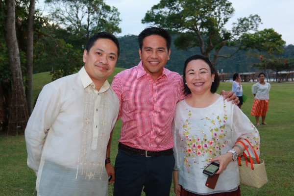 From left to right: Pico de Loro Beach and Country Club General Manager August Samala, SMHCC VP Neil Rumbaoa and Pico Sands Hotel Manager Faye Deloso