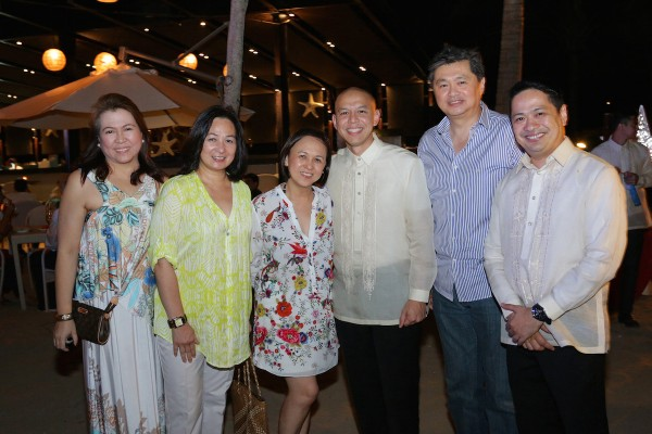 From left to right: Tess Calma, SMHCC VP Peggy Angeles,  , SMHCC VP Lourdes Macalindong, Pico de Loro Beach and Country Club AVP Jam Manikan, SMHCC SVP Angelo Calma and Pico de Loro Beach and Country Club General Manager August Samala