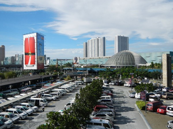 SM City North Edsa photo by Ramon FVelasquez via Wikipedia CC