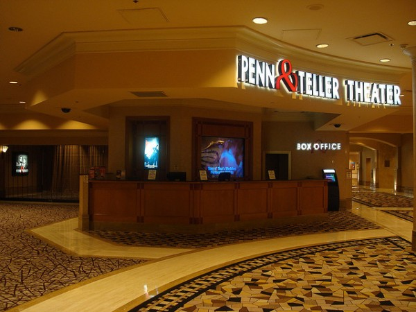 Penn and Teller Theater by Don Richards via Flickr CC