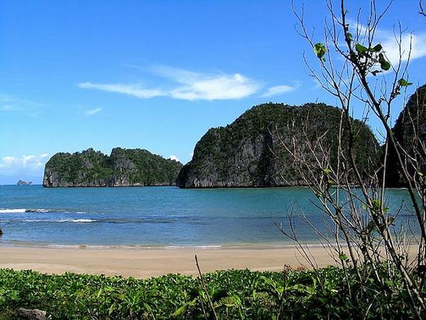 Gota Beachin Caramoan Peninsula