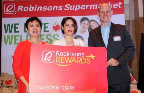 Robinsons Retail president Robina Gokongwei-Pe, Jessy Mendiola, Chevron Philippines country chair Peter Morris (Photo courtes of PNA's Ben Briones)