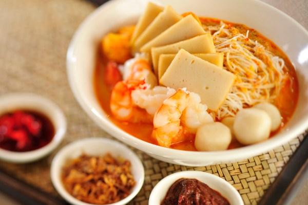 Singapore Hawker Food Singapore Laksa photo by InterContinental Hong Kong via Flickr