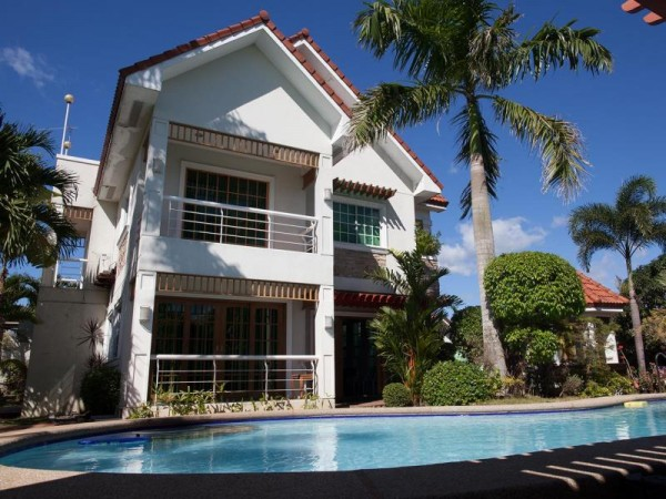Sir Nico Guesthouse and Resort