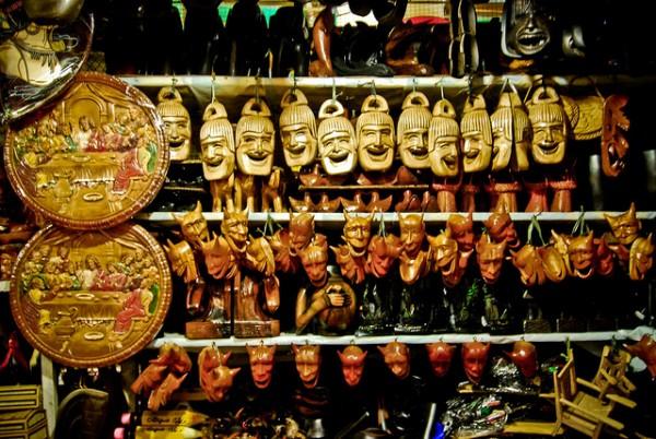 Souvenir Shops in Mines View Park by Reuel Mark Delez via Flickr