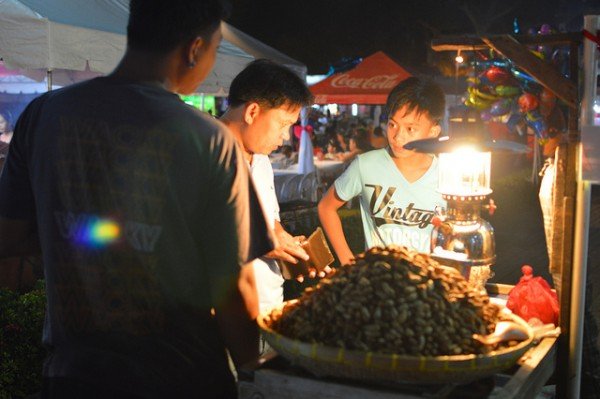 Street Food in Dumaguete by Marion Paul Baylado via Flickr