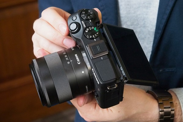 Canon EOS M3 Mirror-less camera