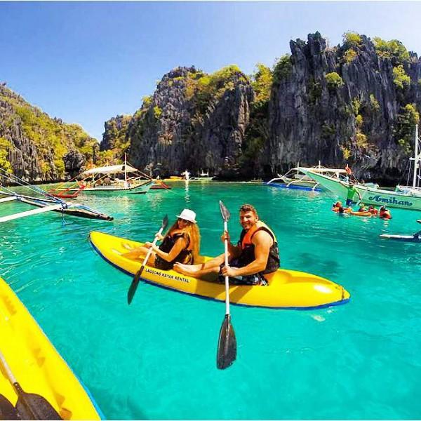 Kayaking in El Nido