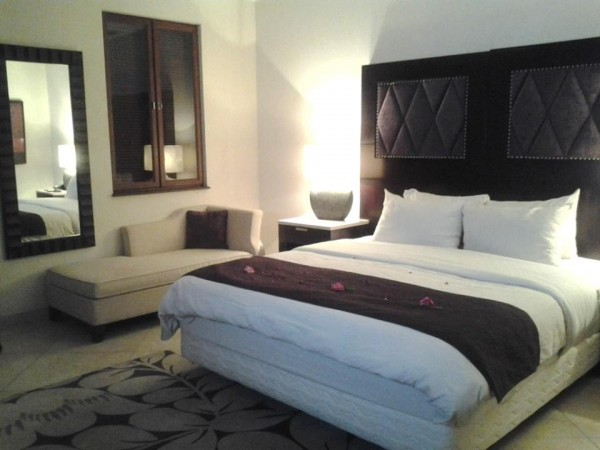 Airconditioned Bedroom with King-Size Bed
