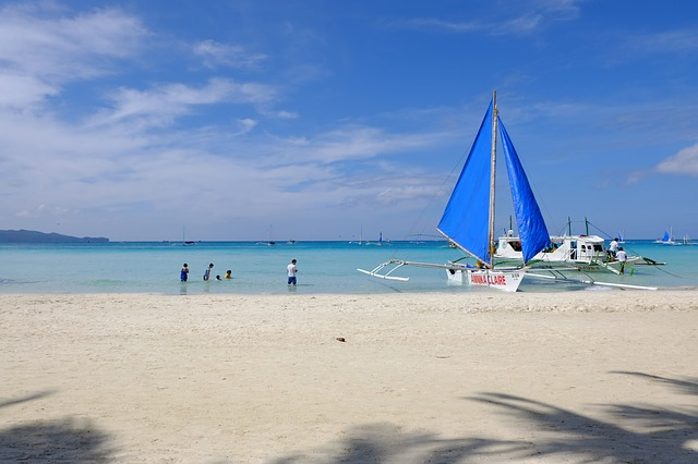 Paraw Sailing in Boracay