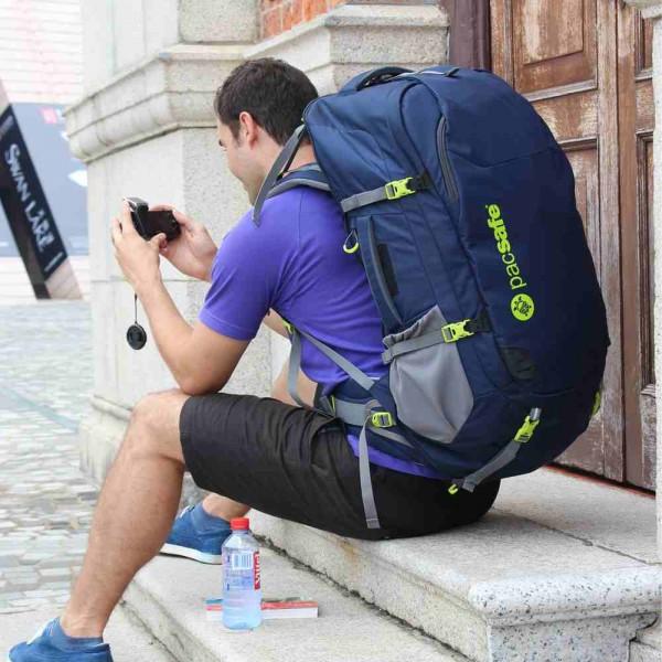 Venturesafe 65L GII anti-theft travel bag