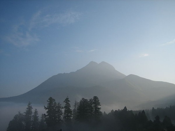 "Yufu Japan ""Mt Yufu at morning"" by Reggaeman Licensed under CC BY-SA 3.0 via Commons"