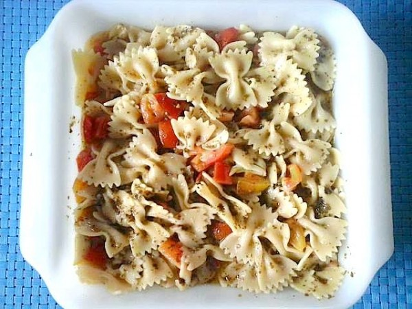 Farfalle with Tomatoes and Pesto Pasta