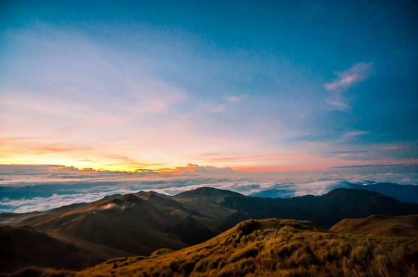 Mt Pulag sunrise by Jojo Nicdao via Flickr