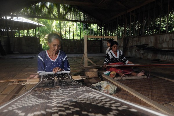 Blaan weaving room in Lamlifew, Malungon