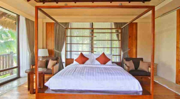 Spacious Bedroom at Nezima Beach House