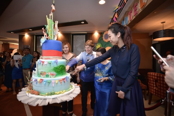 Hotel Jen Manila's Executive Committee grace the cake cutting ceremony.