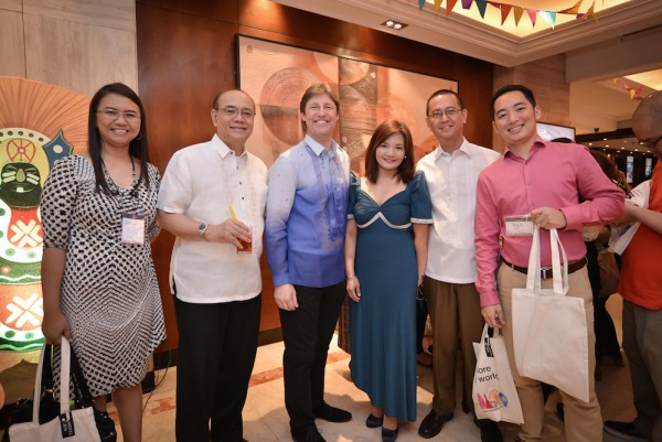 Hotel Jen Manila's General Manager, Ed Kollmer strikes a post with Corporate Partners