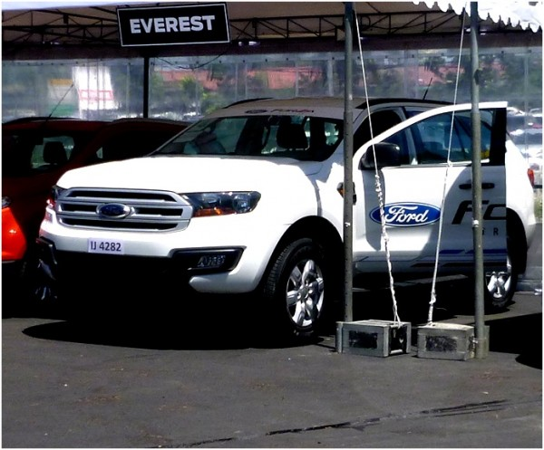 Test Drive unit - Ford Everest Ambiente 2.2L 4x2 MT