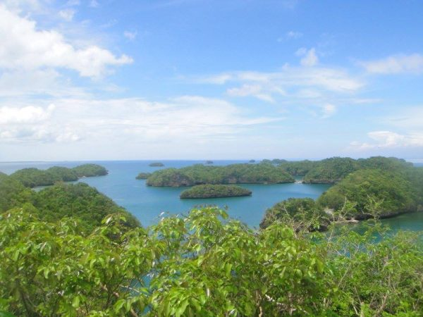 A view of the Hundred Islands from the viewpoint at Governor's Island