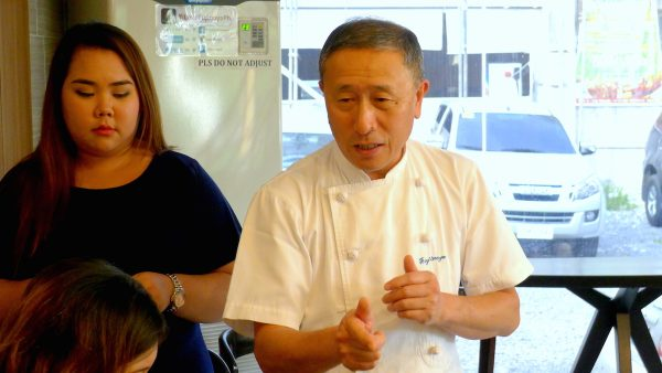 Master Baker Hideo Goto explaining his bento creation
