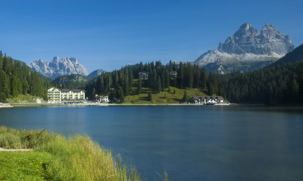 The clear, blue waters of Lake Misurina