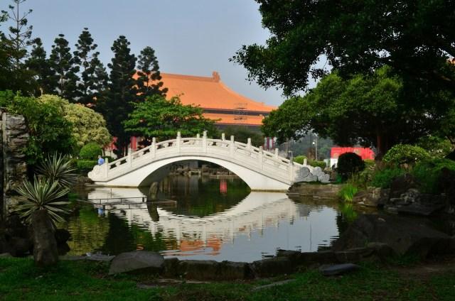 A beautiful pond near Chiang Kai-shek National Theater