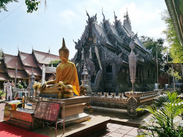 Golden Buddha infront of Wat Sri Suphan
