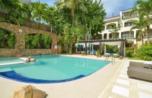 Le Soleil de Boracay Resort Poolside