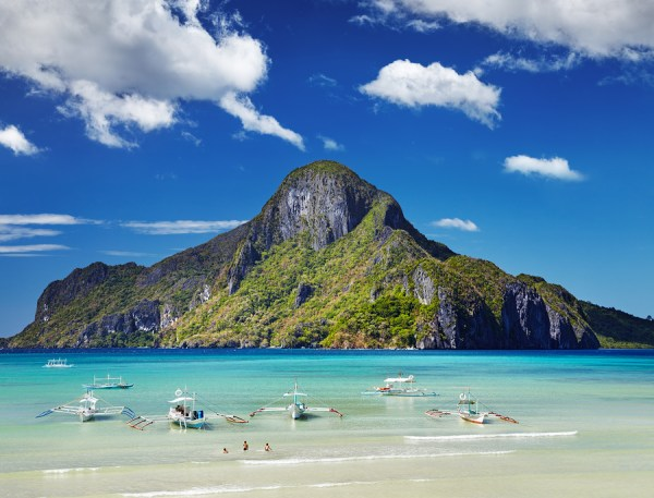 Amazing Islands and Beaches in El Nido Palawan